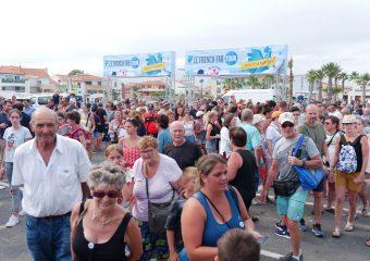 Bain de foule pour le coq bleu à Port Barcarès
